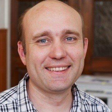 Александр Хаустов